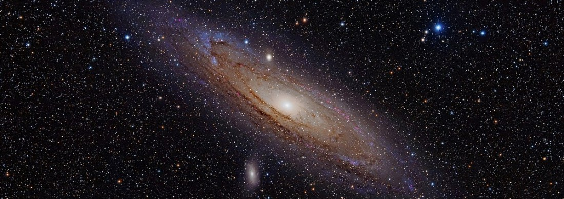 1200px-Andromeda_Galaxy_(with_h-alpha)